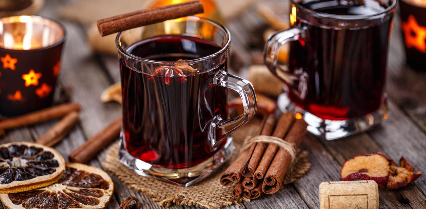 Niezawodny sposób najesienną chandrę – grzane wino!